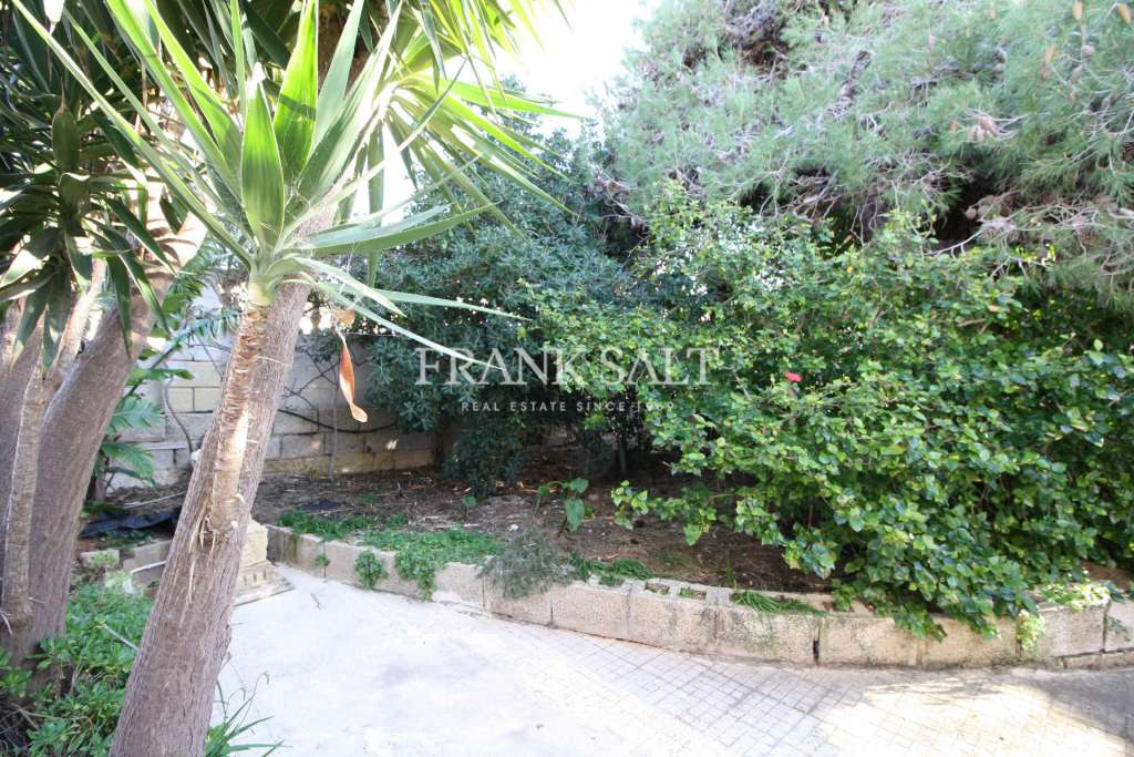 Mellieha, Furnished Detached Bungalow-image-10