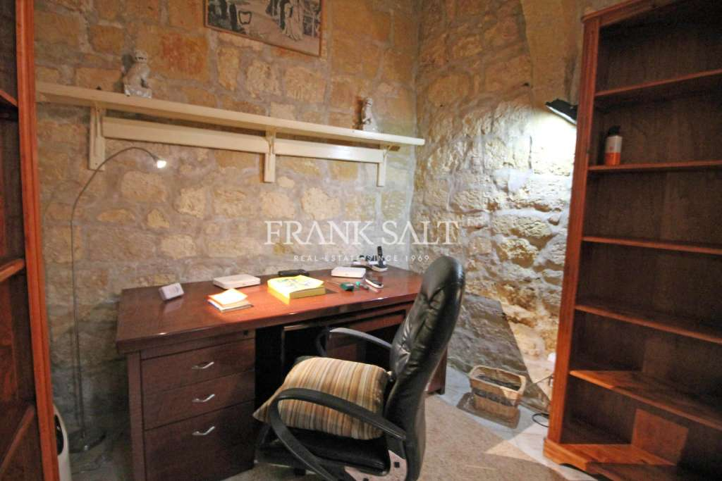 Mdina, Furnished House of Character-image-9