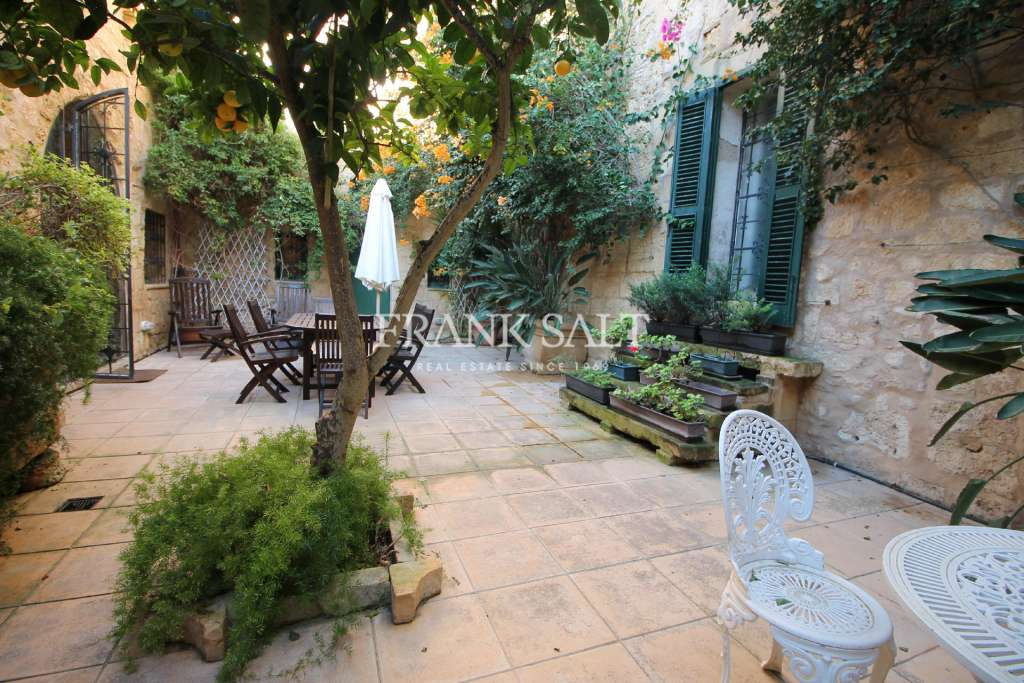 Mdina, Furnished House of Character-image-1