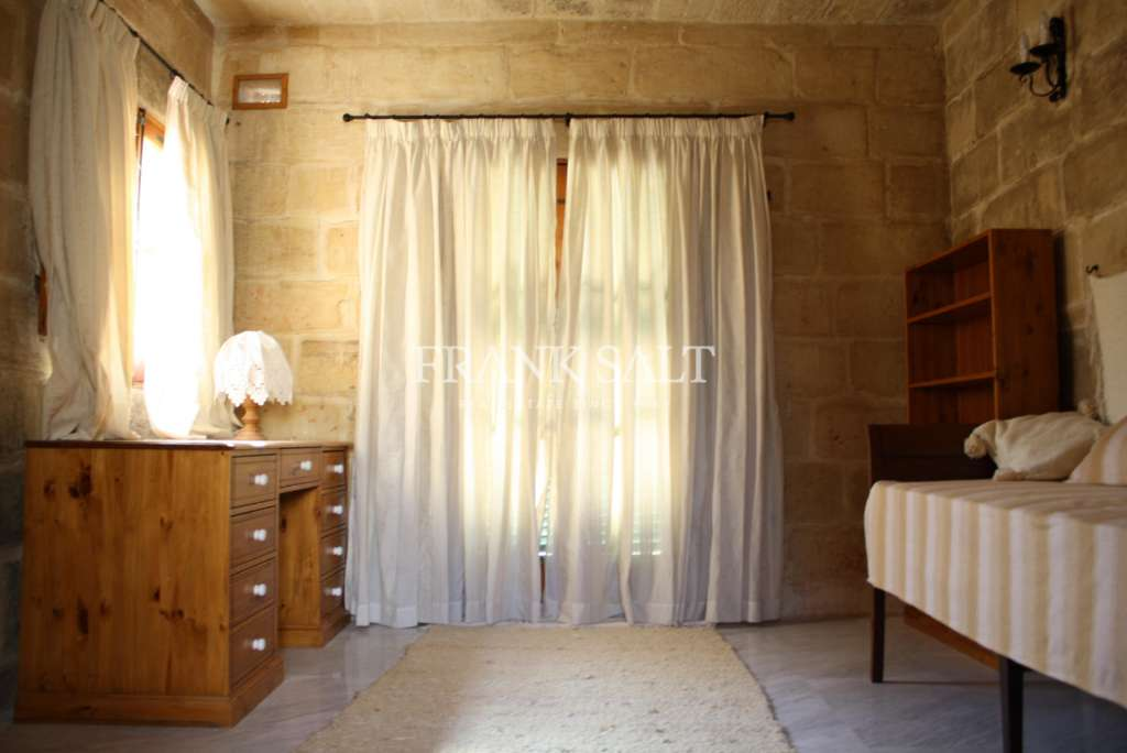 Mdina, Converted House of Character-image-8