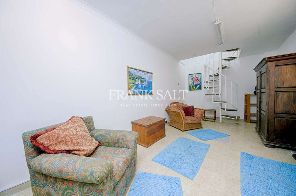 Mosta, Furnished House of Character-image-8
