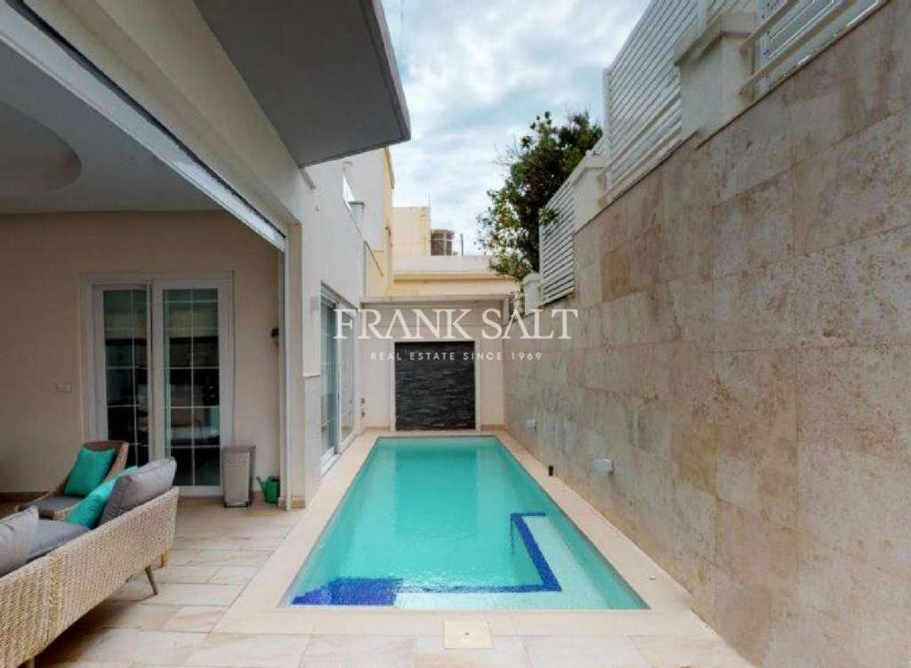 Ta' Xbiex, Furnished Semi-detached Villa-image-8