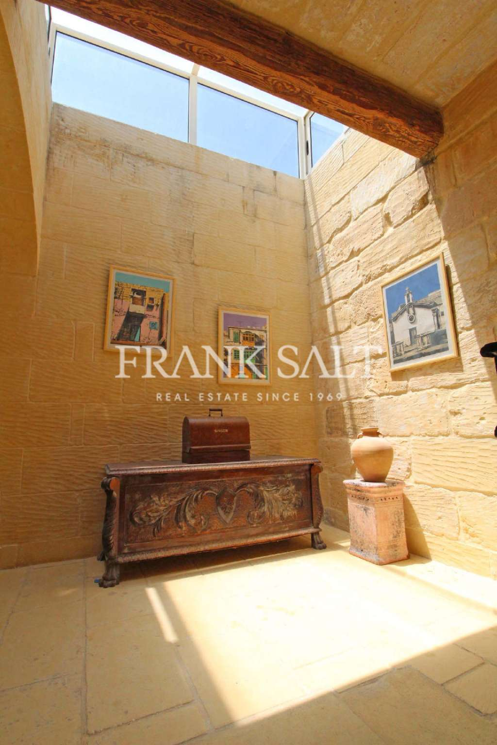 Nadur, Furnished House of Character-image-7