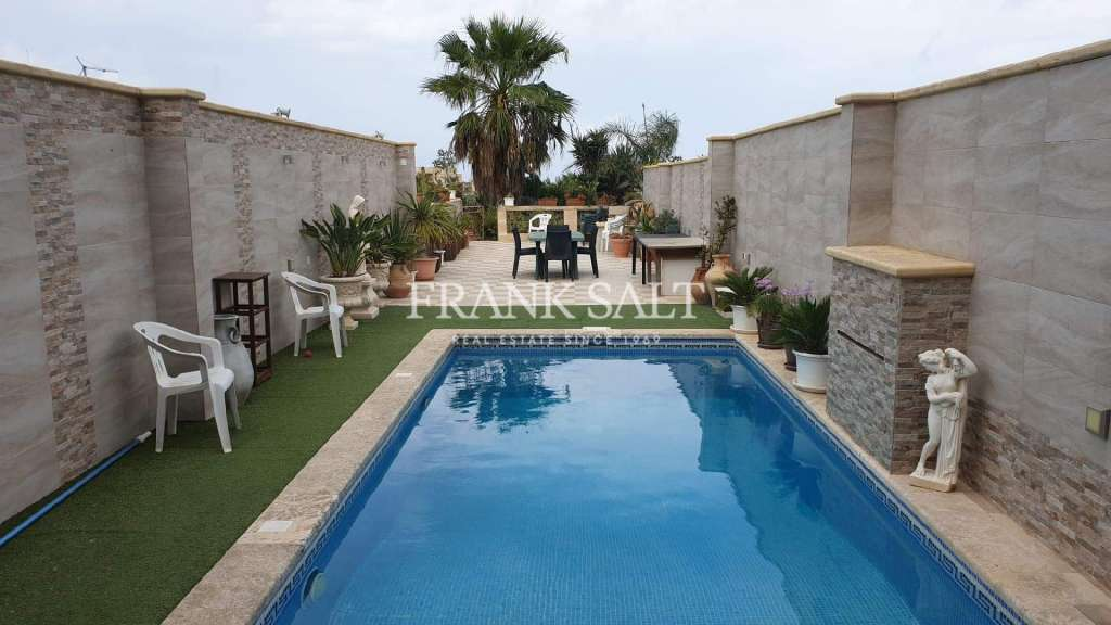 Nadur, Furnished House of Character-image-10