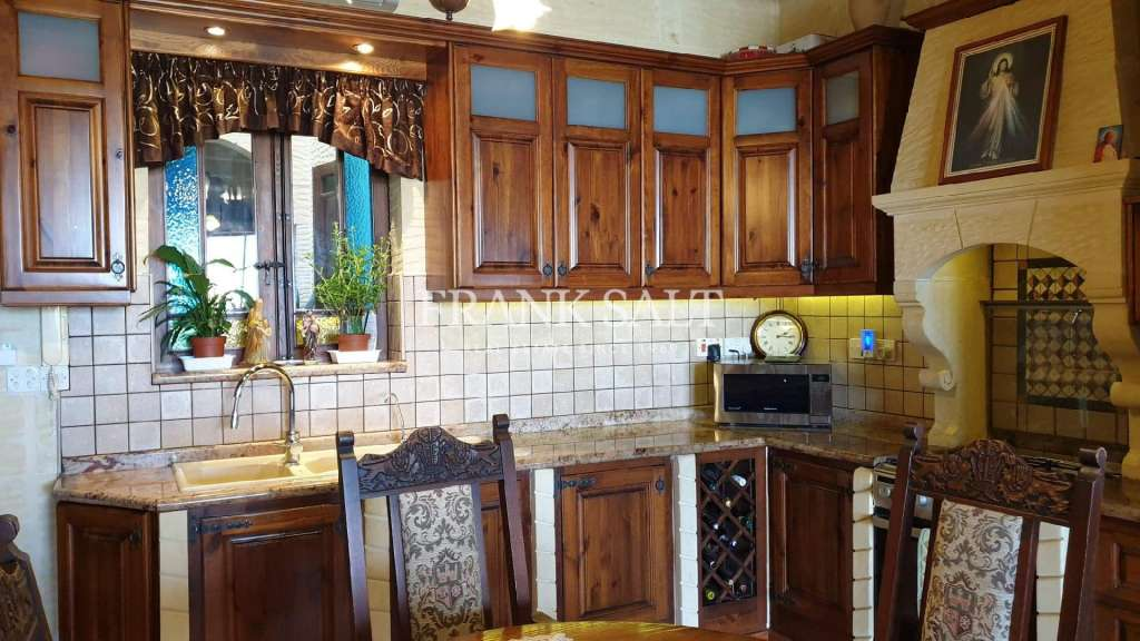 Nadur, Furnished House of Character-image-3