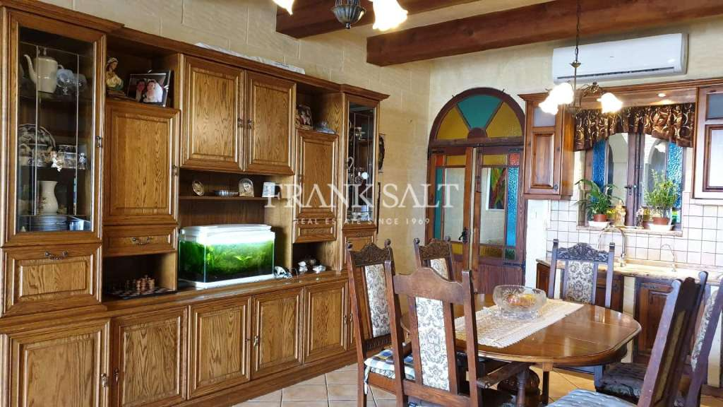 Nadur, Furnished House of Character-image-4