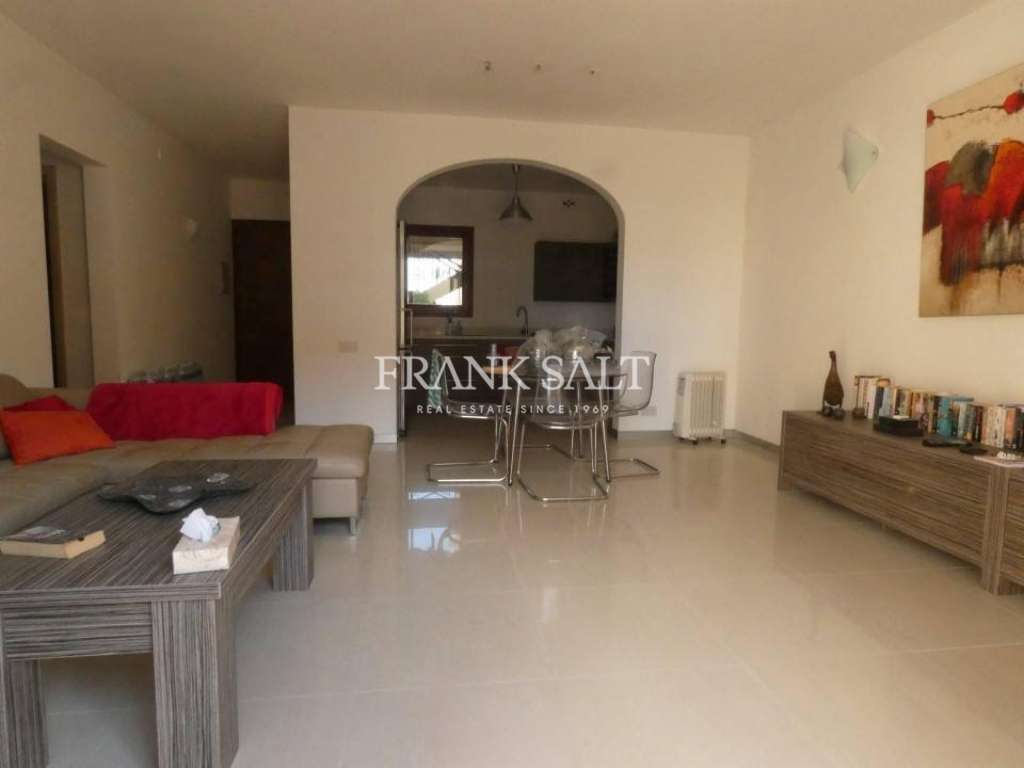 Fort Chambray, Furnished Maisonette-image-1