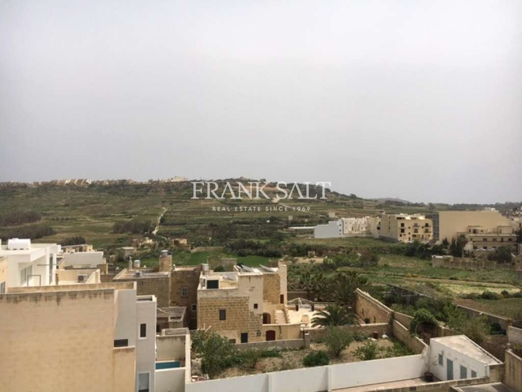 Victoria, Furnished Penthouse-image-7