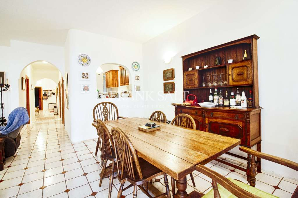 Xaghra, Furnished Apartment-image-2