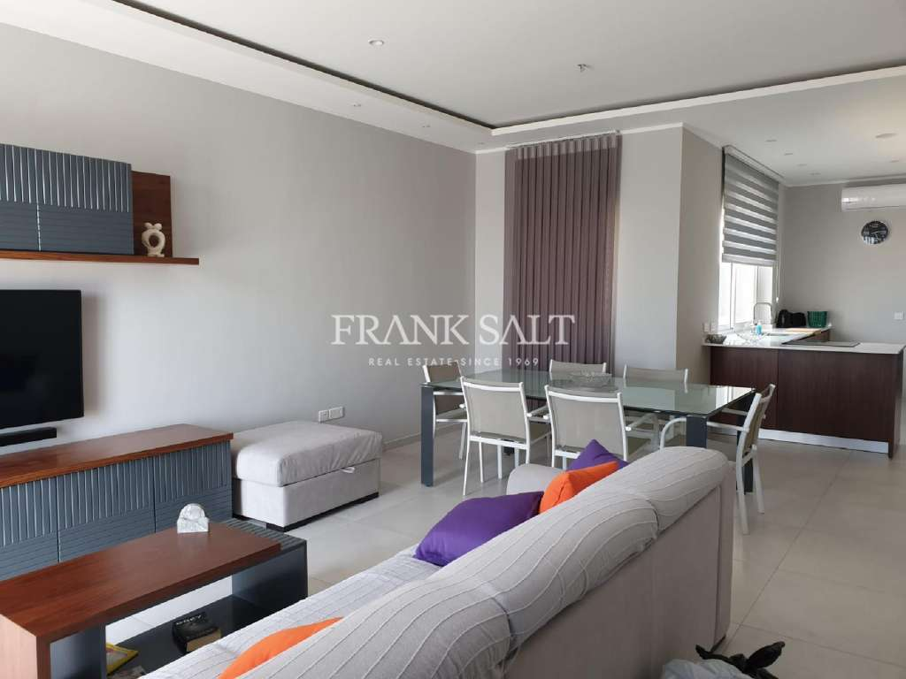 Xaghra, Furnished Penthouse-image-1