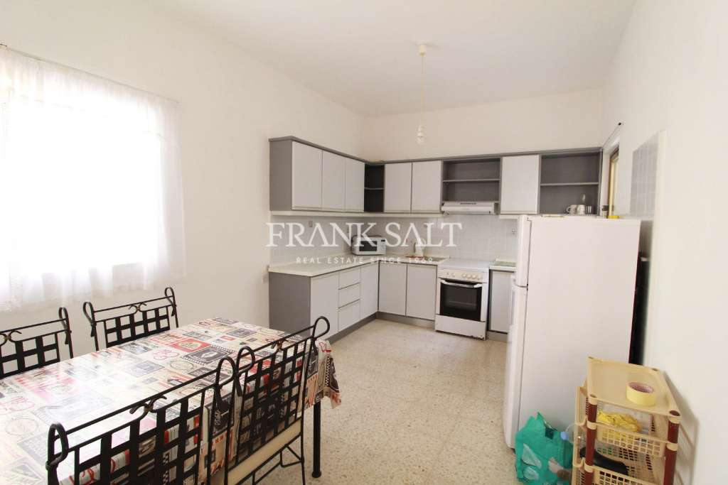 Fgura, Furnished Maisonette-image-5