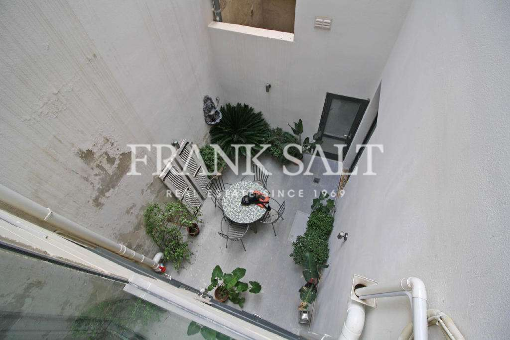 Cospicua, Furnished Town House-image-6