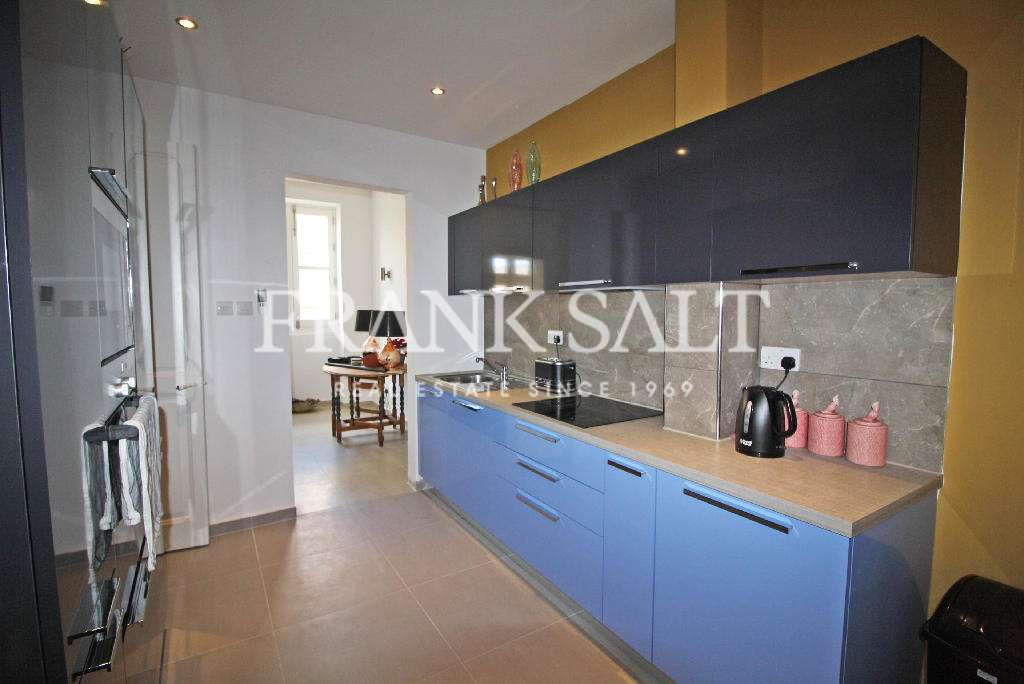 Cospicua, Furnished Town House-image-7