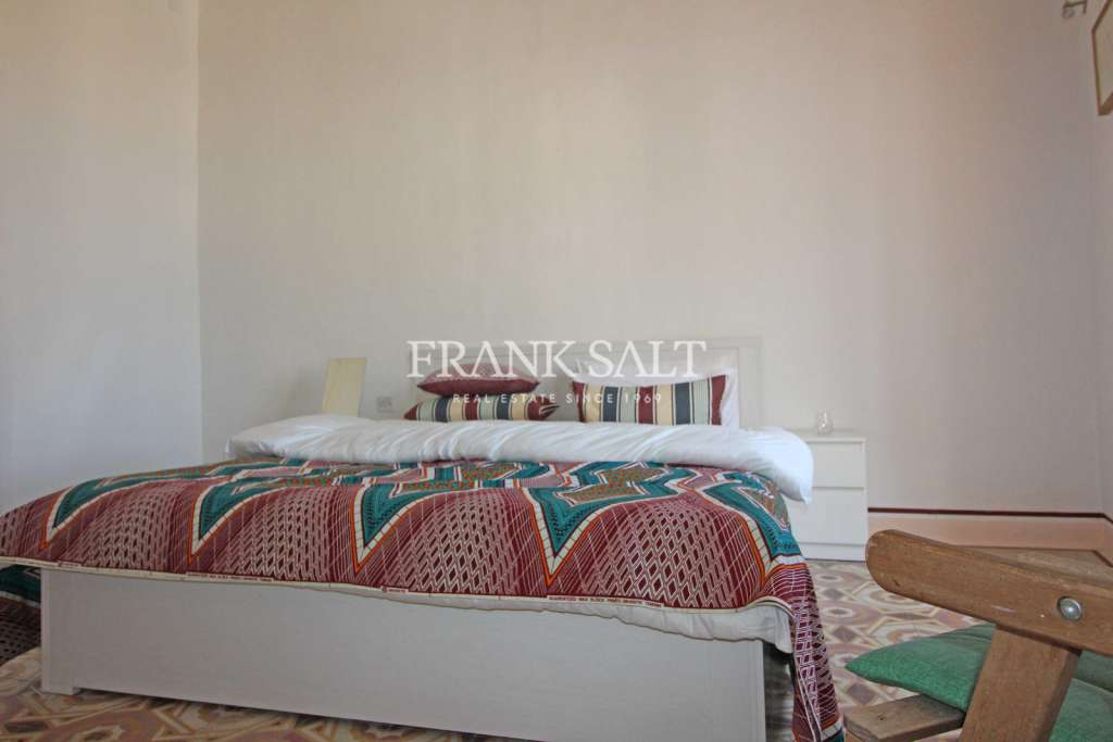 Cospicua, Furnished Town House-image-11