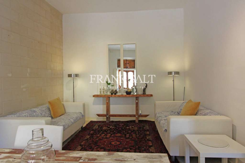 Cospicua, Furnished Town House-image-3