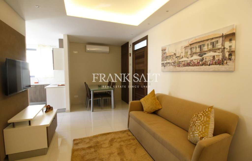 Fgura, Furnished Maisonette-image-2