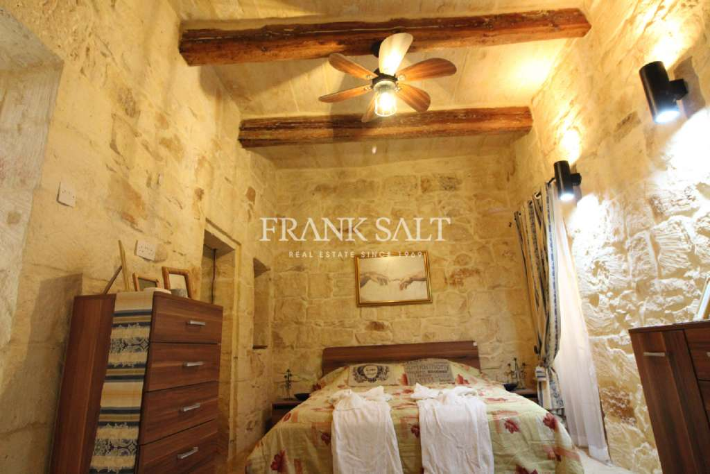 Zabbar, Converted House of Character-image-8