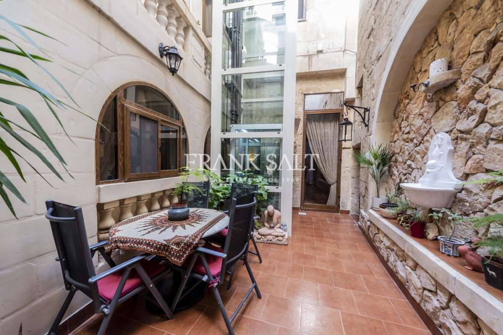 Vittoriosa Converted Town House-image-3