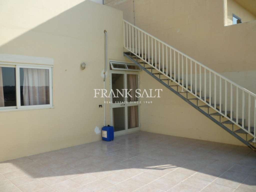 Bahar ic-Caghaq, Furnished Penthouse-image-2