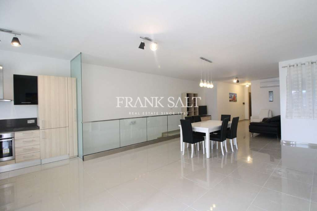 St Julians, Furnished Elevated Maisonette-image-3