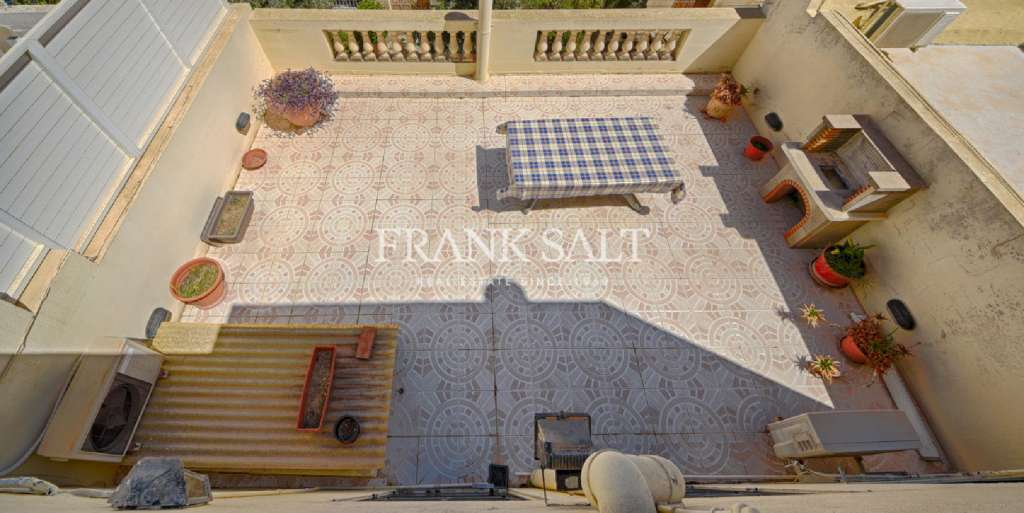 Sliema, Converted Town House-image-11