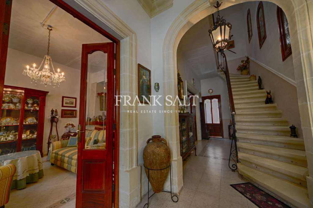 Sliema, Converted Town House-image-12