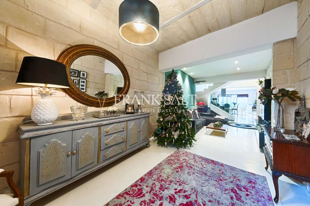 Naxxar, Furnished House of Character-image-6