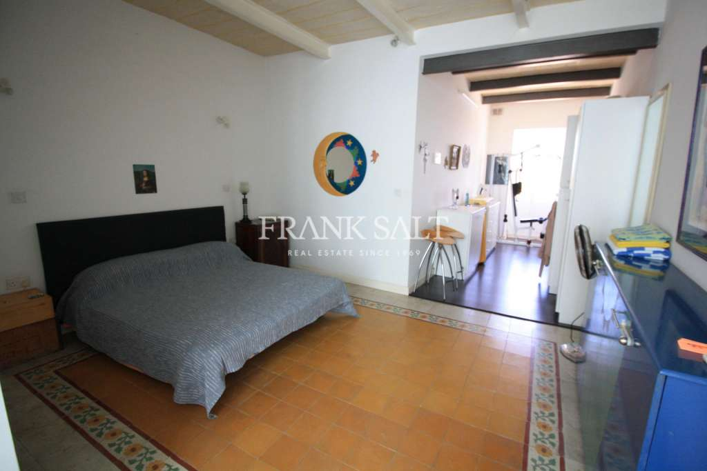 Senglea, Converted and Finished Town House-image-12