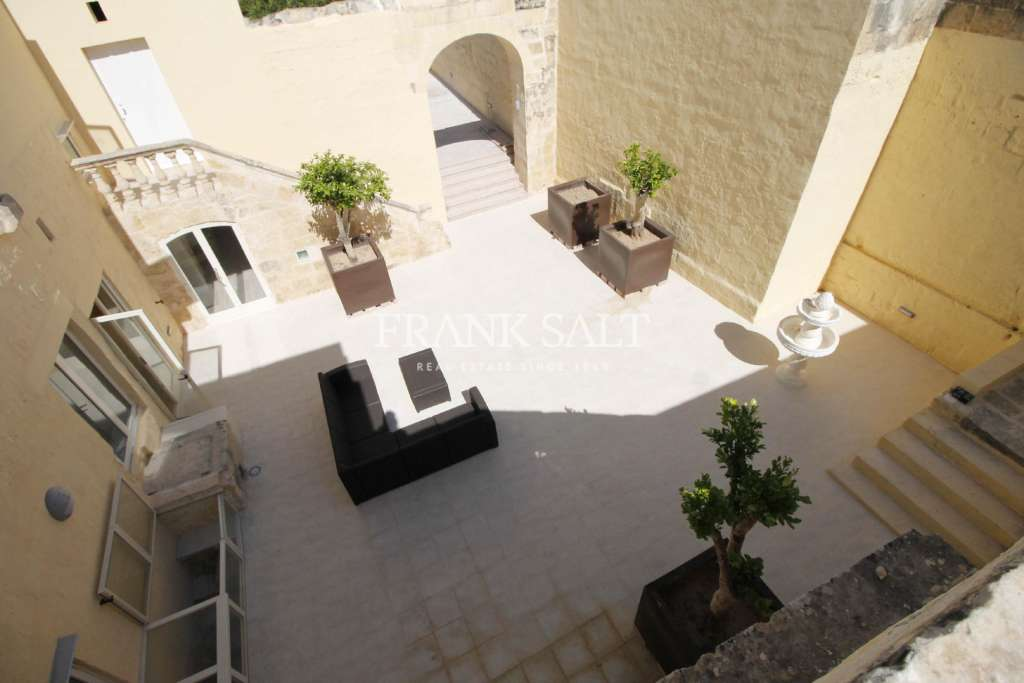 Zebbug, Furnished House of Character-image-4