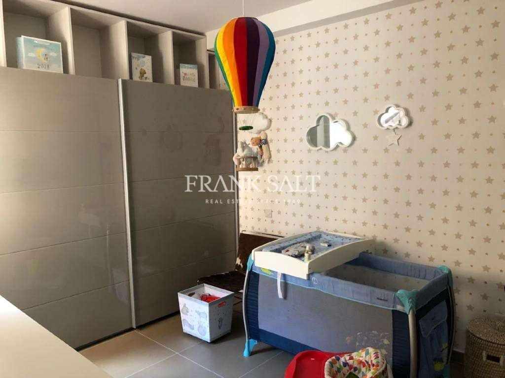 Madliena Village, Furnished Apartment-image-4