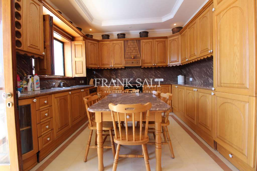 Iklin, Furnished Detached Bungalow-image-7