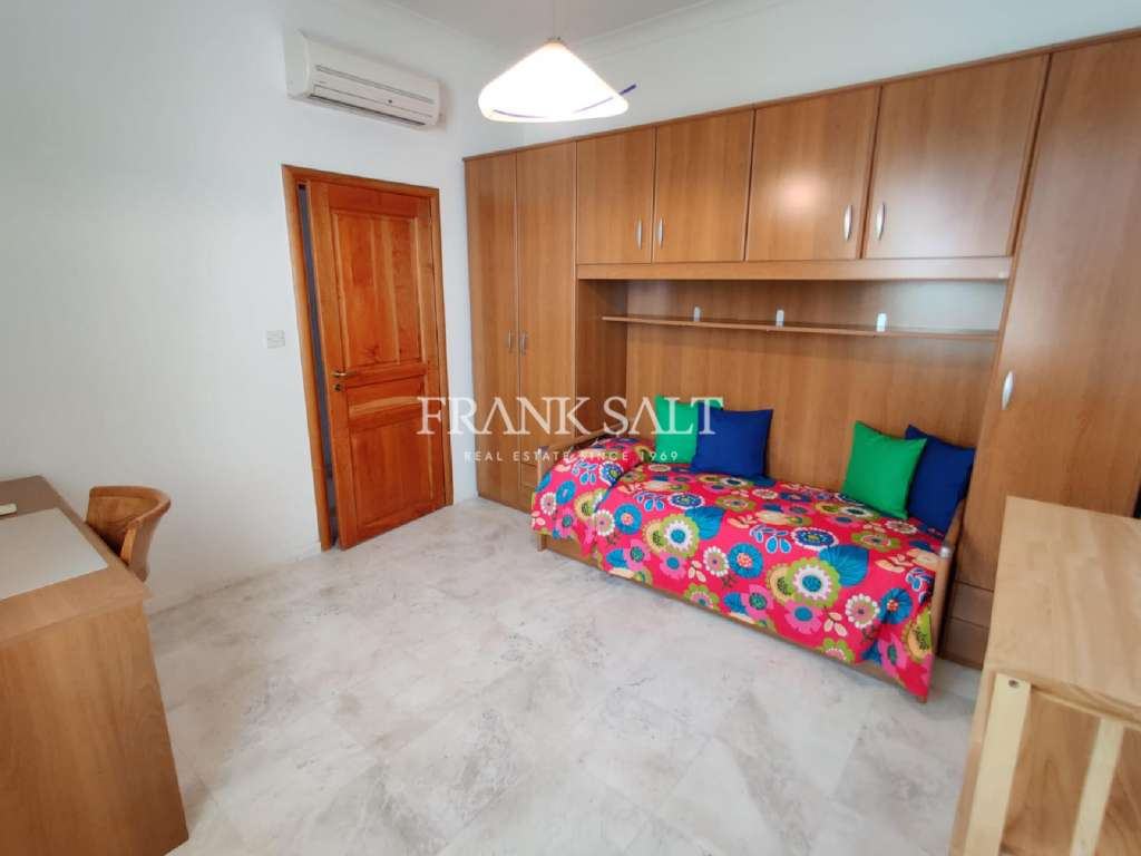 St Pauls Bay, Furnished Apartment-image-12