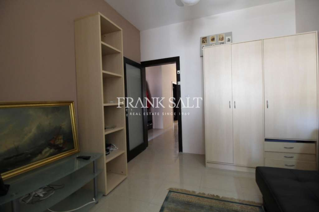 St Pauls Bay, Furnished Apartment-image-9