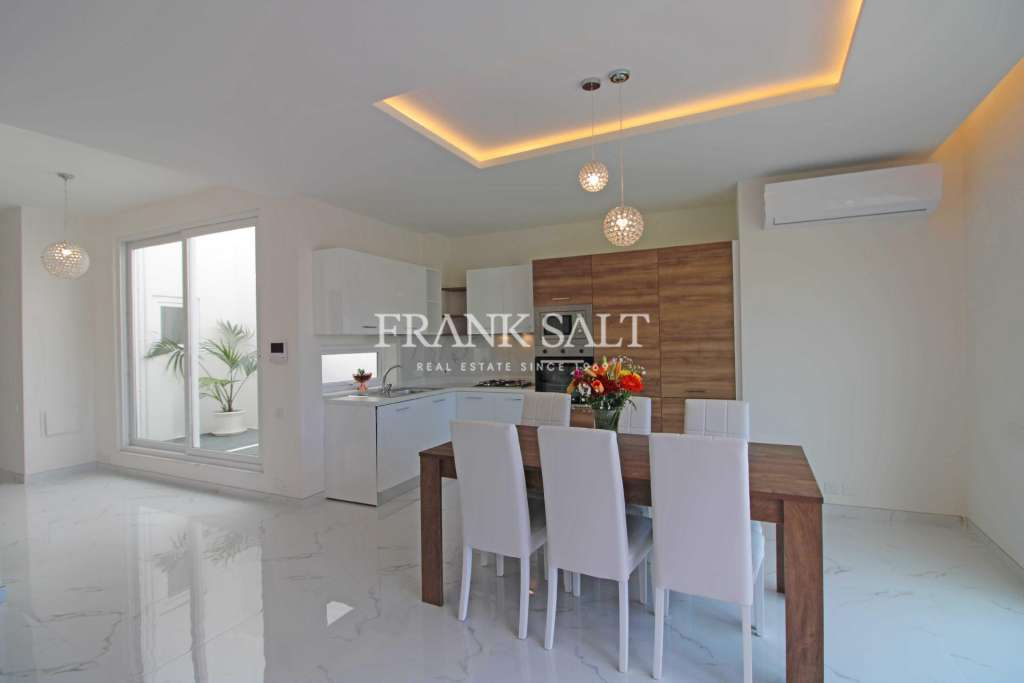 Kalkara, Furnished Penthouse-image-5