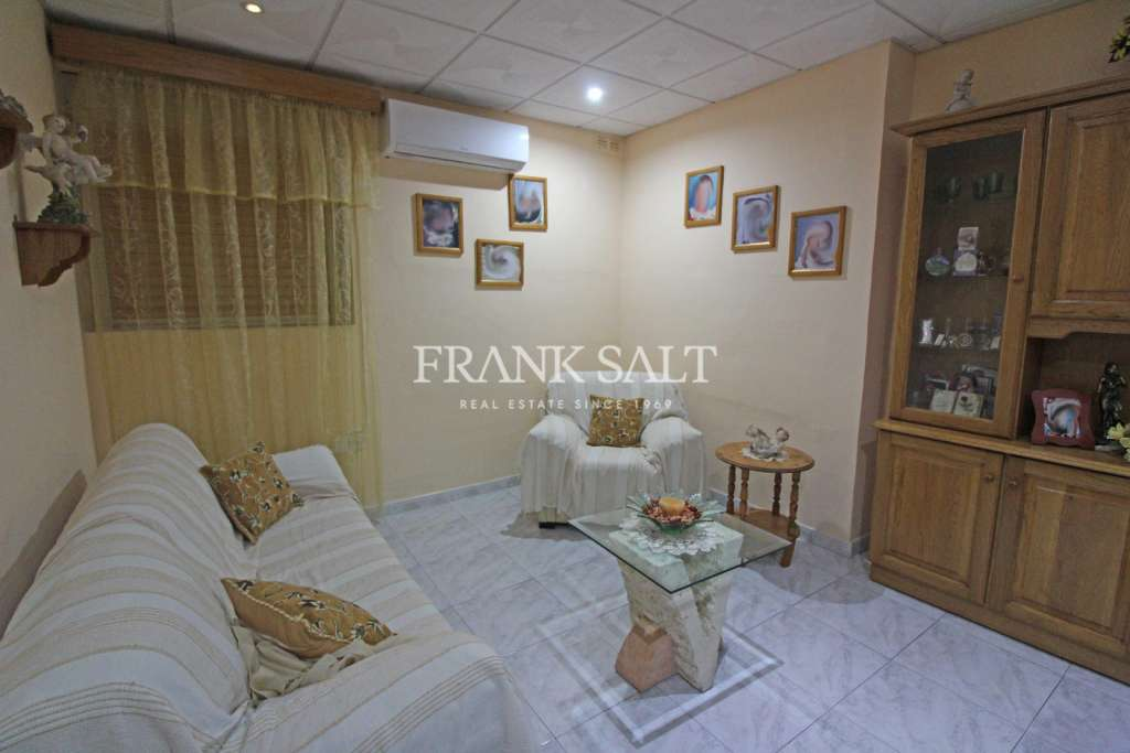 Floriana, Furnished Apartment-image-3