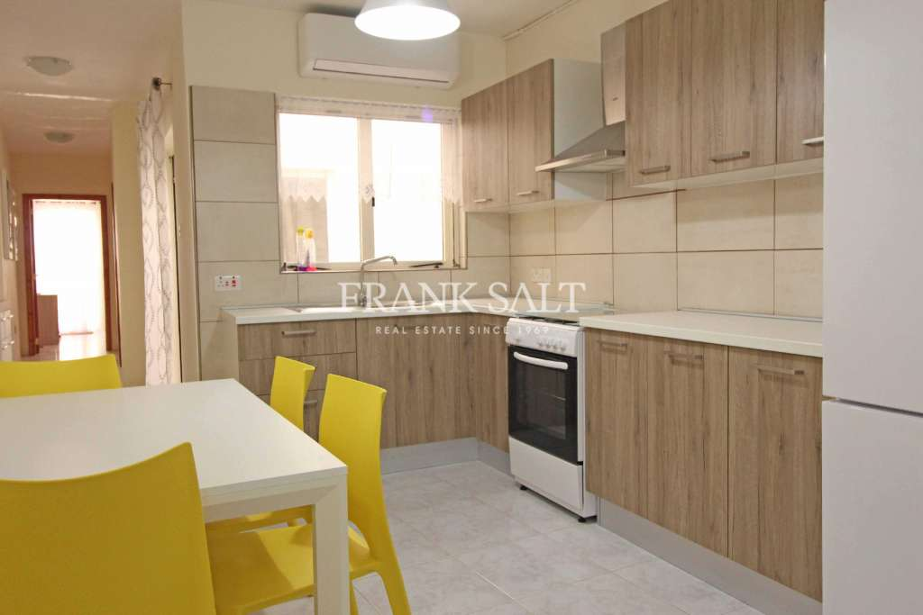 Kalkara, Furnished Maisonette-image-2