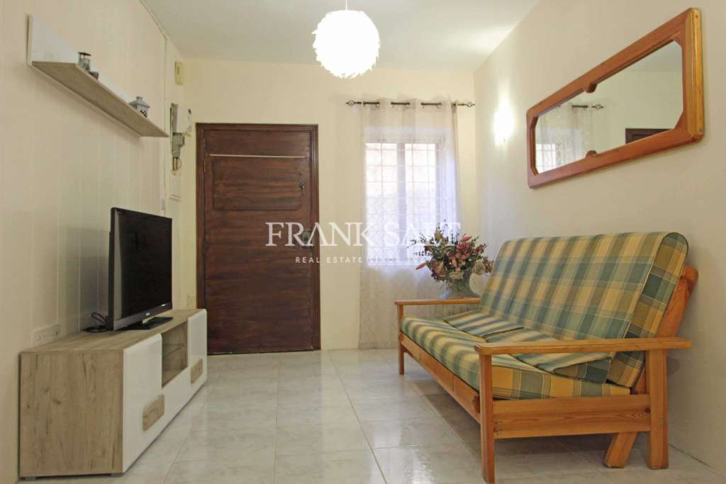 Kalkara, Furnished Maisonette-image-4