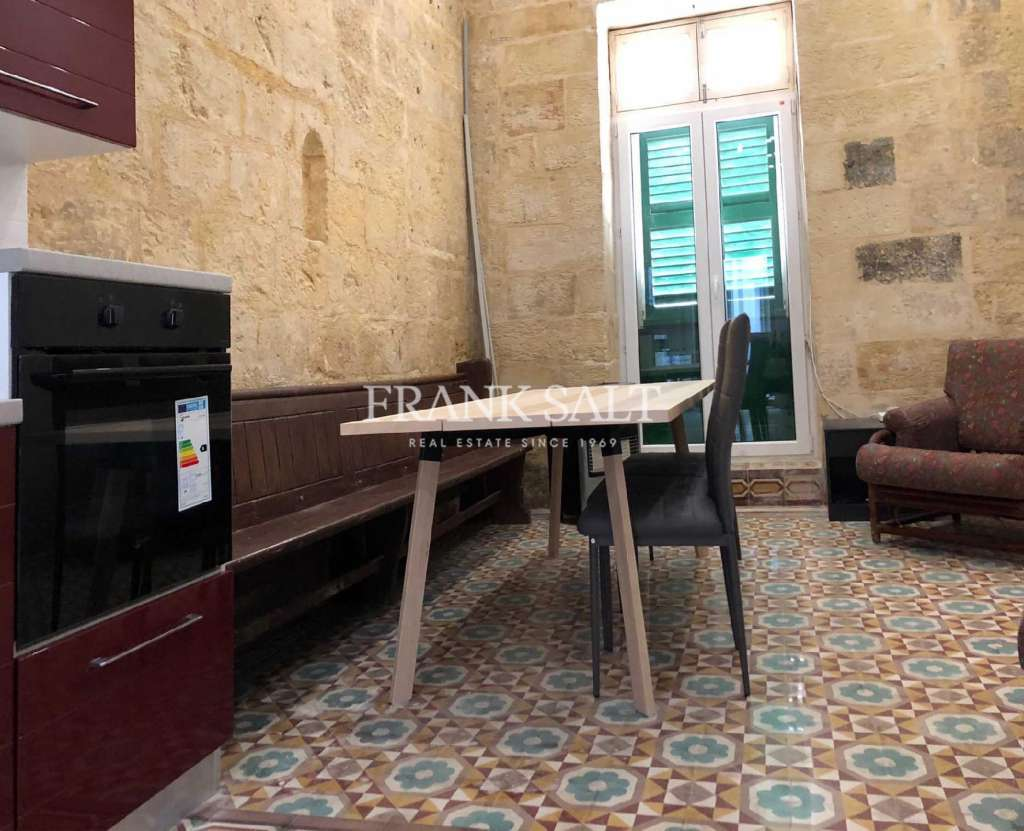 Cospicua, Furnished Town House-image-1