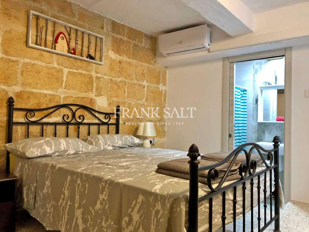 Cospicua, Furnished Town House-image-5