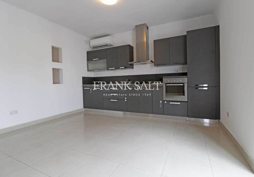 Naxxar, Finished Apartment-image-2