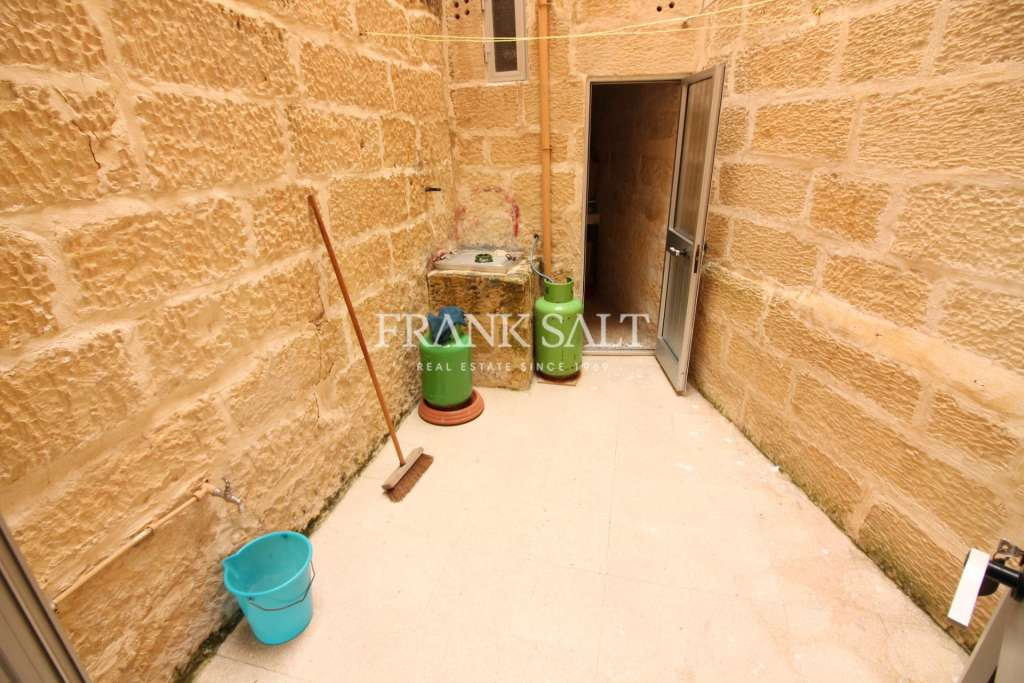 Zejtun, Unconverted Town House-image-2