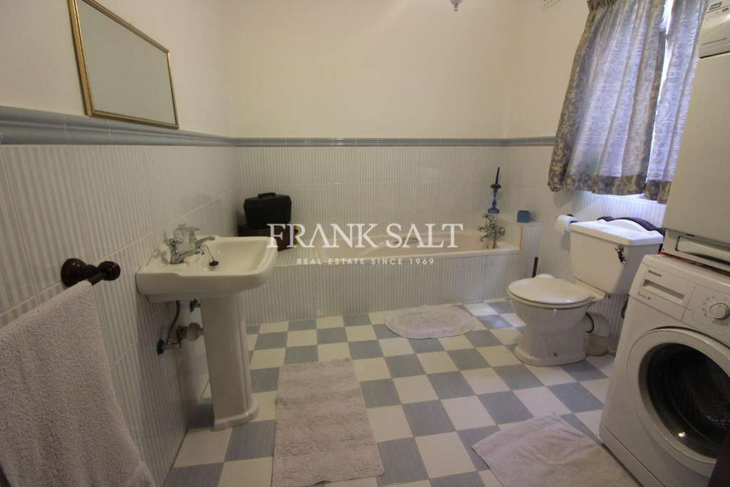 Mosta, Furnished House of Character-image-9