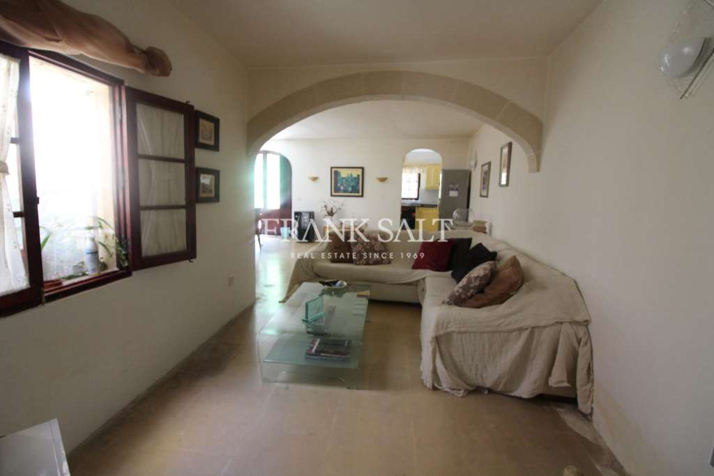 Mosta, Furnished House of Character-image-2