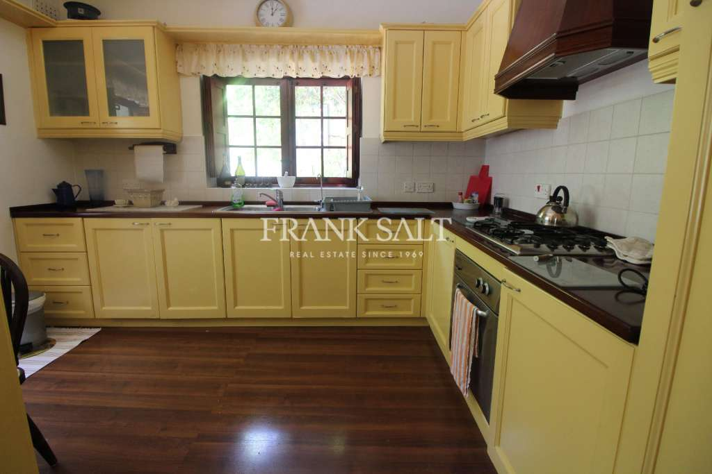 Mosta, Furnished House of Character-image-3