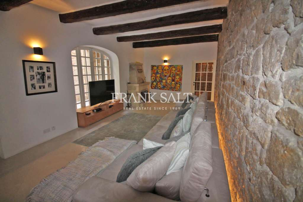 Tarxien, Converted House of Character-image-11