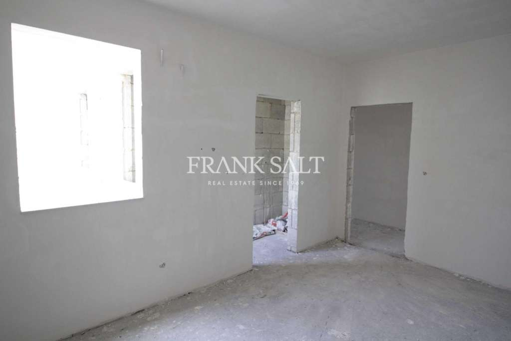 Tarxien, Finished Apartment-image-12
